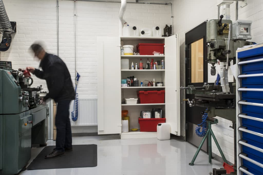 Brandisolerad - kemikalieskåp - Chalmers University